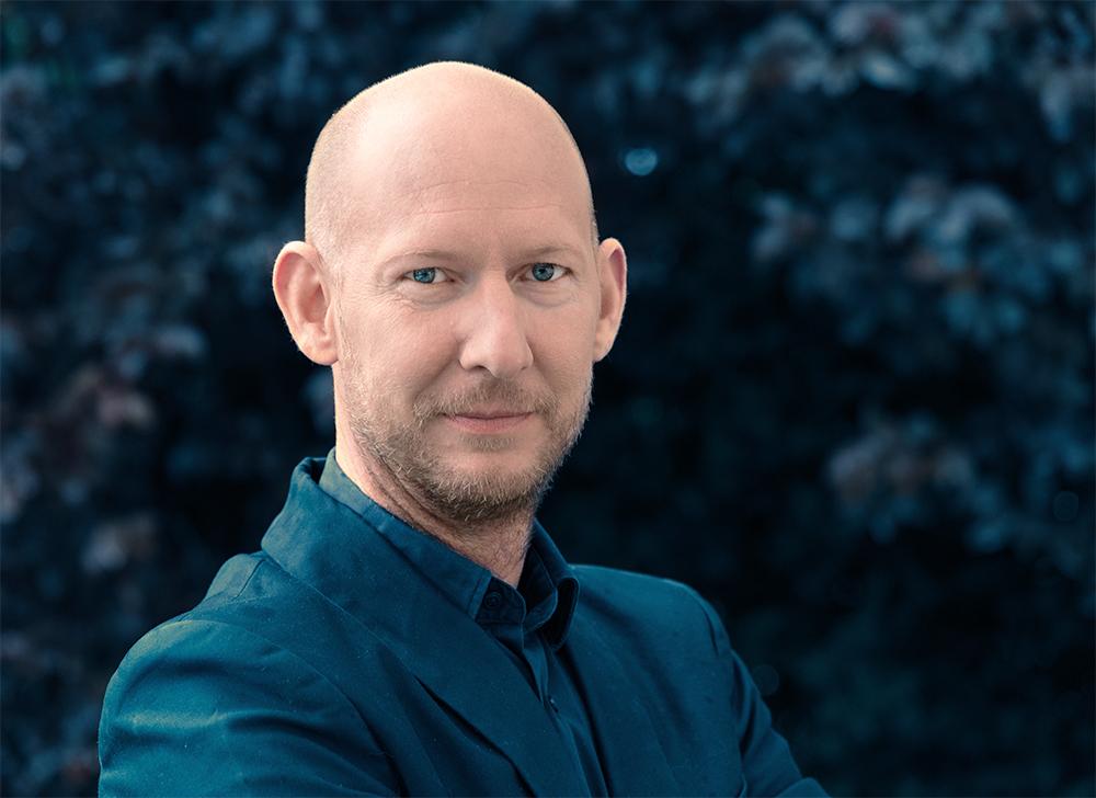 Portrait_Robert Oberbichler